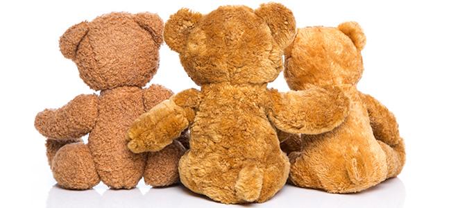Freundschaft: Drei Teddybären isoliert